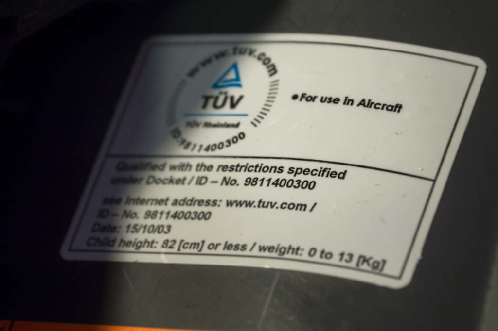 TÜV-Siegel für den Kindersitz: For use in Aircraft