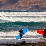 Surfer an der Playa de Famara
