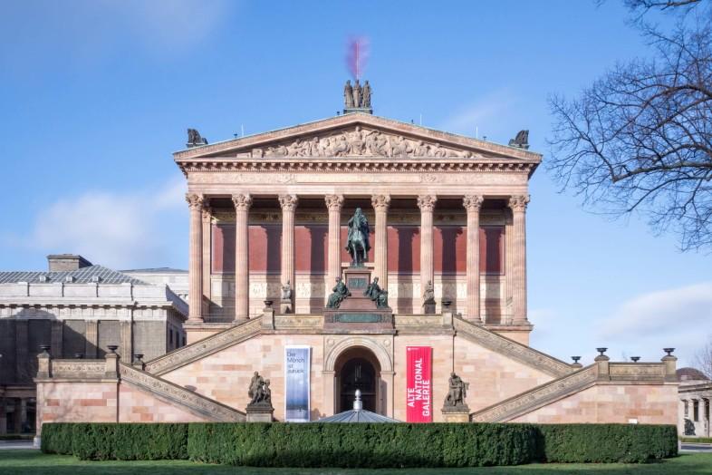 langzeitbelichtung-alte-nationalgalerie-berlin